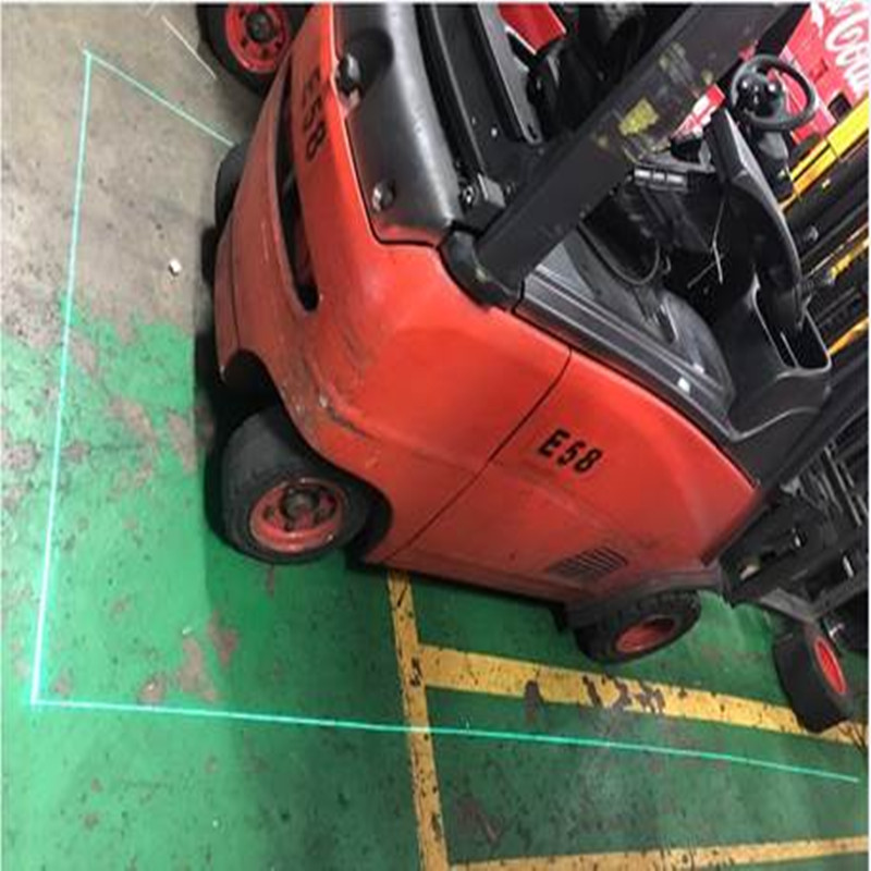 Quali sono i vantaggi delle luci laser del carrello elevatore rispetto alle luci a LED del carrello elevatore?